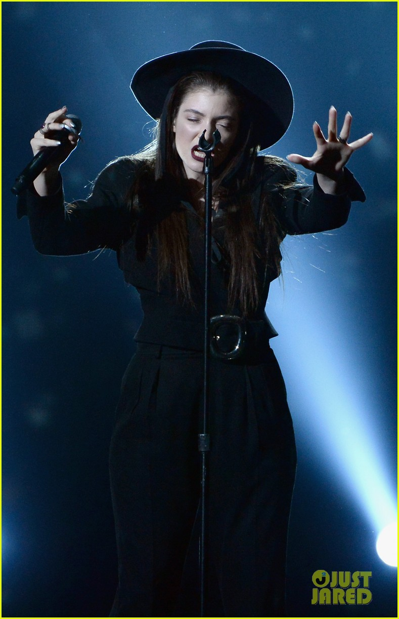 lorde tennis court performance bbmas 03