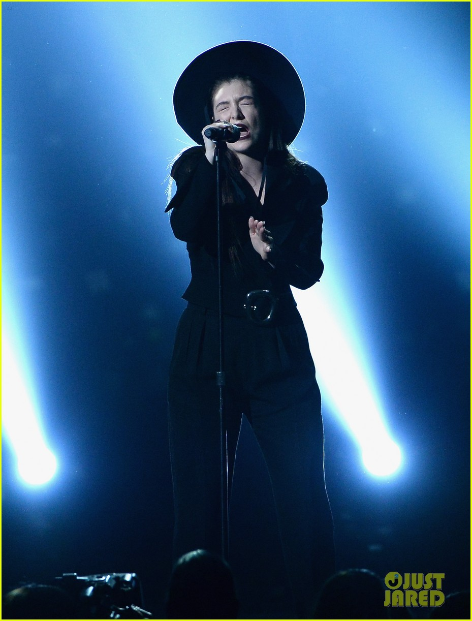 lorde tennis court performance bbmas 04