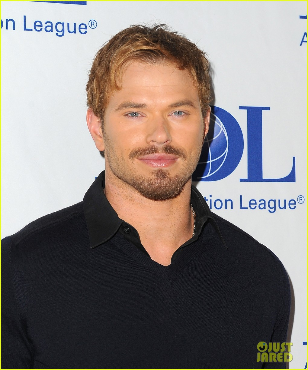 kellan lutz starts mothers day celebration early 023109407