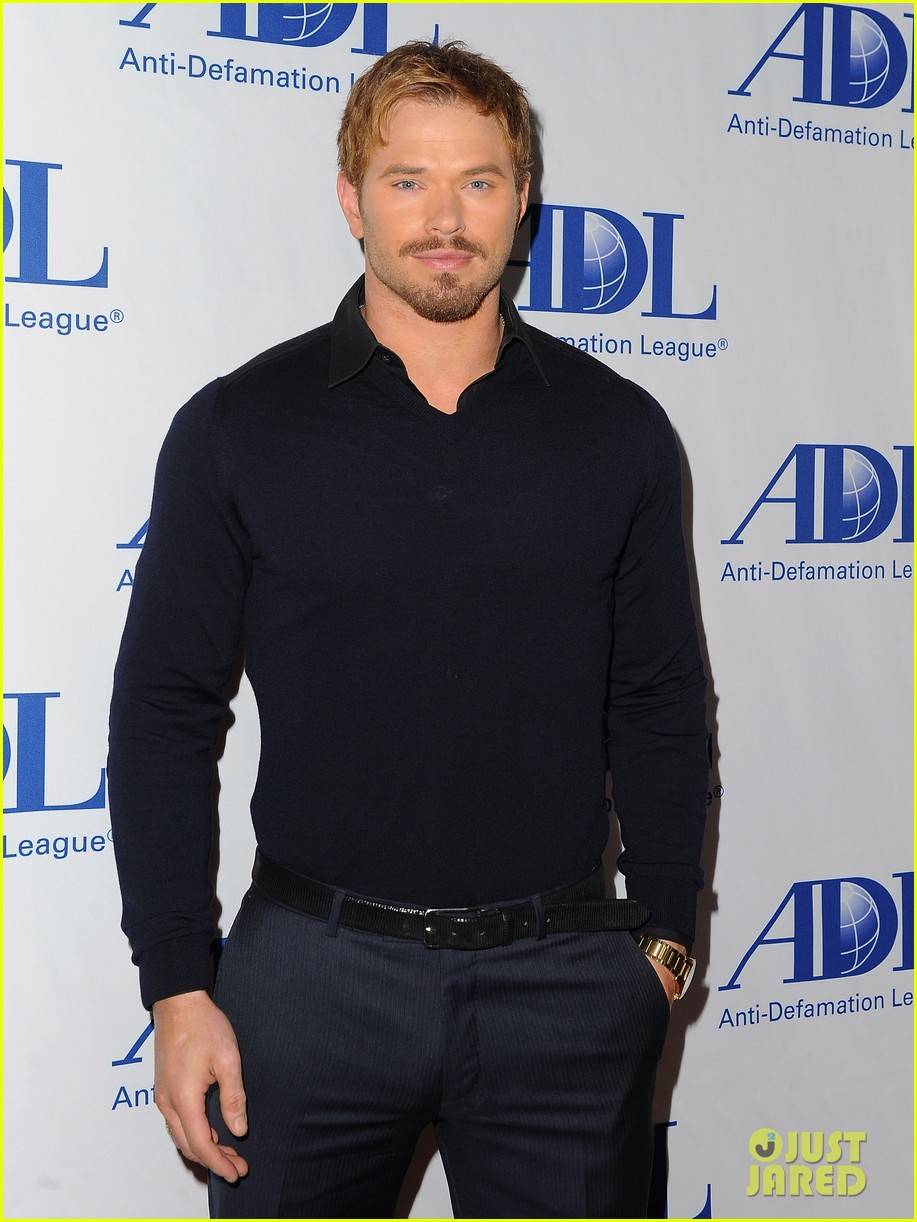kellan lutz starts mothers day celebration early 03