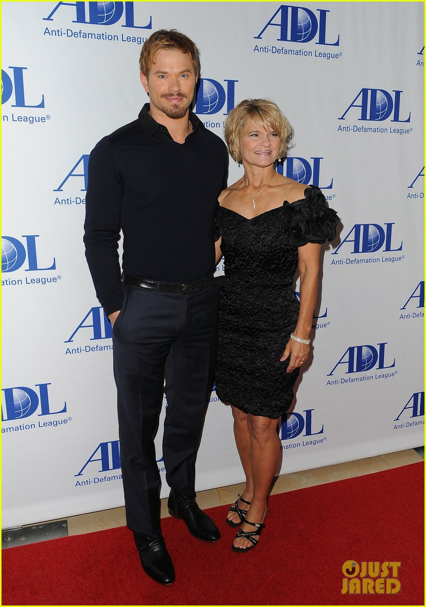 kellan lutz starts mothers day celebration early 05
