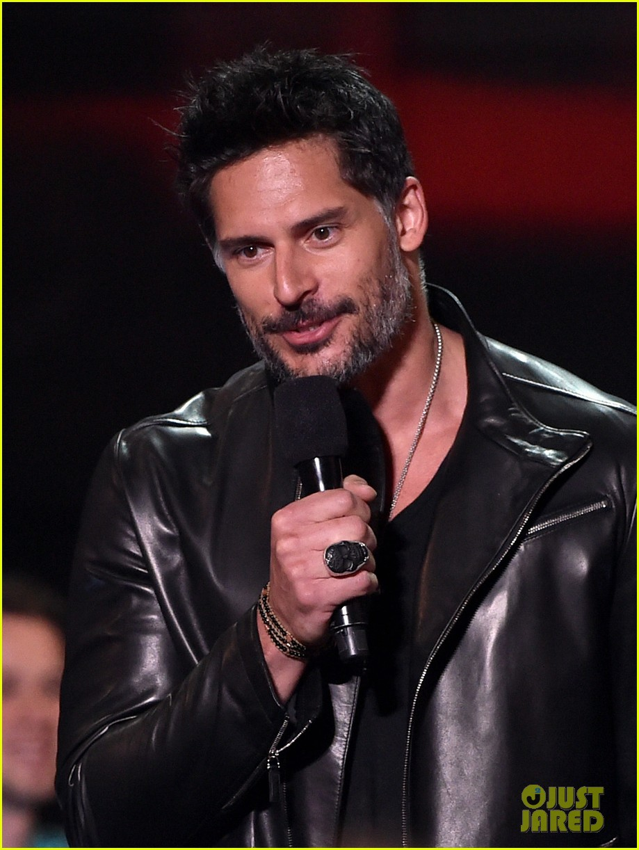 joe manganiello sam palladio iheartradio music awards 2014 073103665