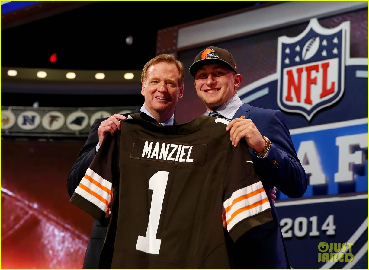 johnny manziel gets picked 22nd in nfl draft 063109020
