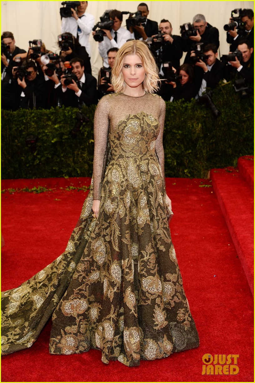 kate mara met ball 2014 red carpet 033106288