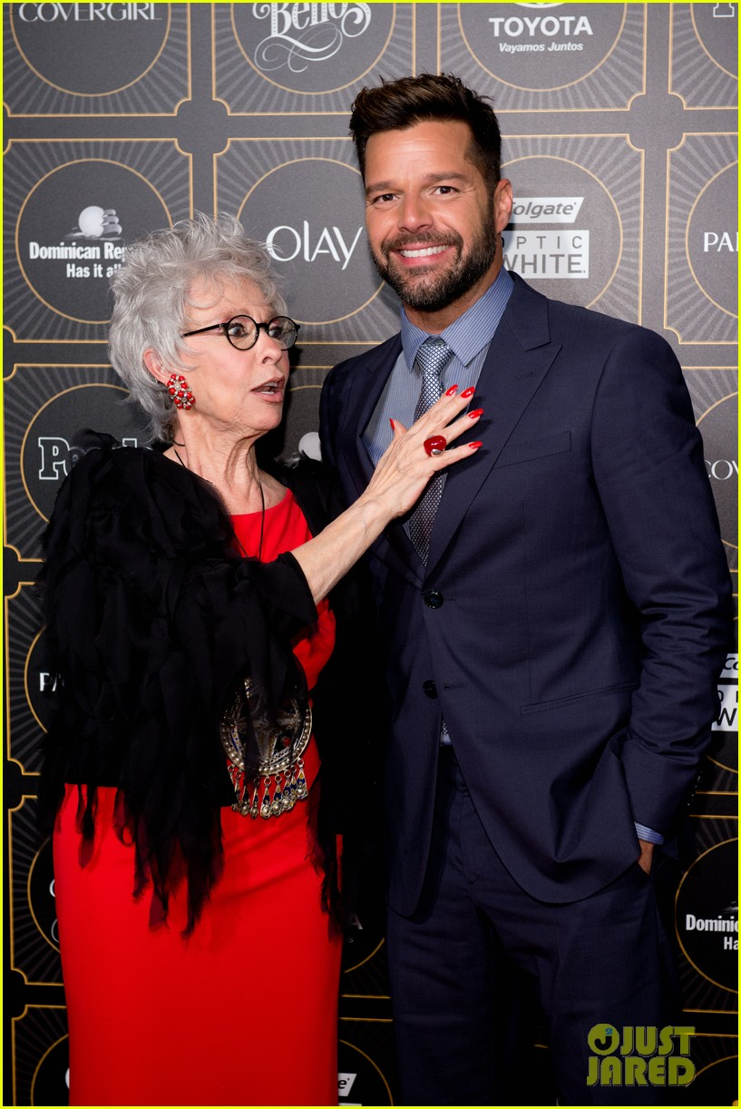 ricky martin suits up for people en espanols annual 50 mas bellos 013112296