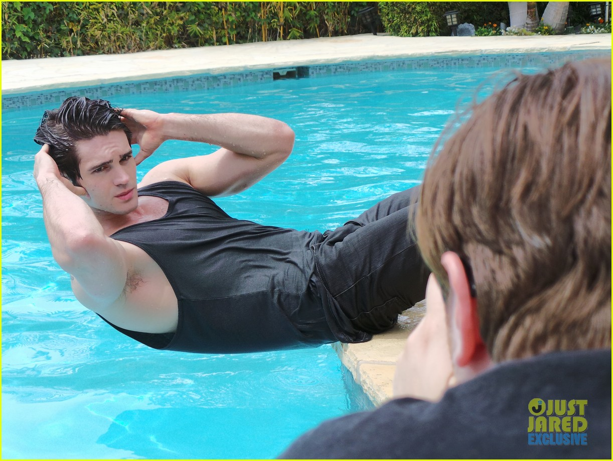 steven r mcqueen jj spotlight behind the scenes 05