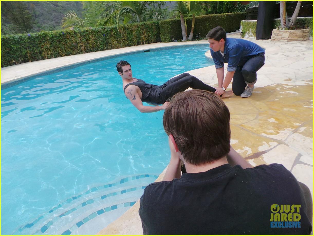 steven r mcqueen jj spotlight behind the scenes 07