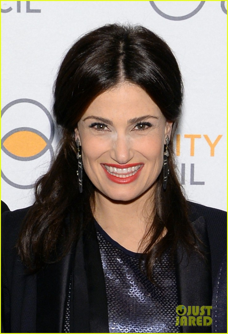 idina menzel belts it out for equality 09