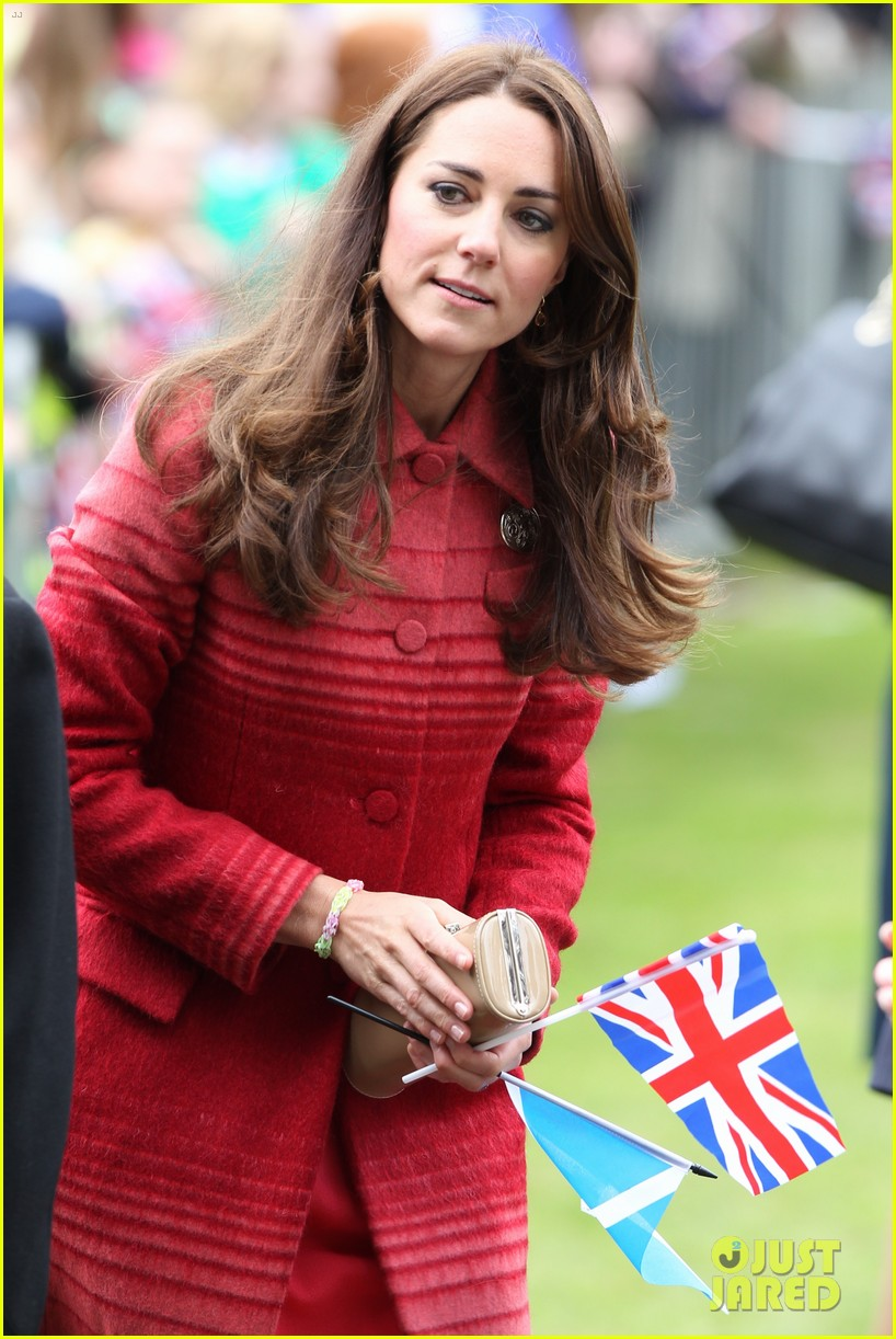 kate middleton prince william visit macrosty park in scotland 053123756