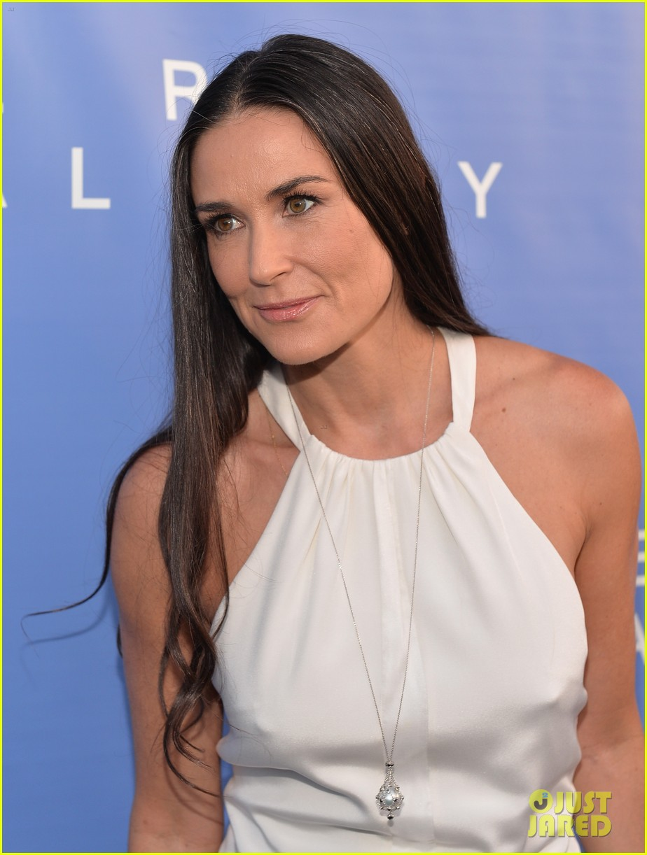 demi-moore-brings-along-boyfriend-sean-f