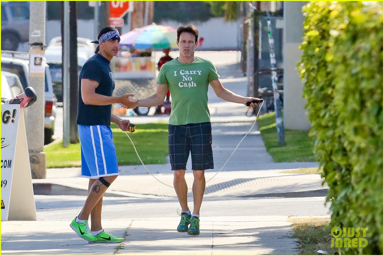 stephen moyer takes his workout to the streets 143113470