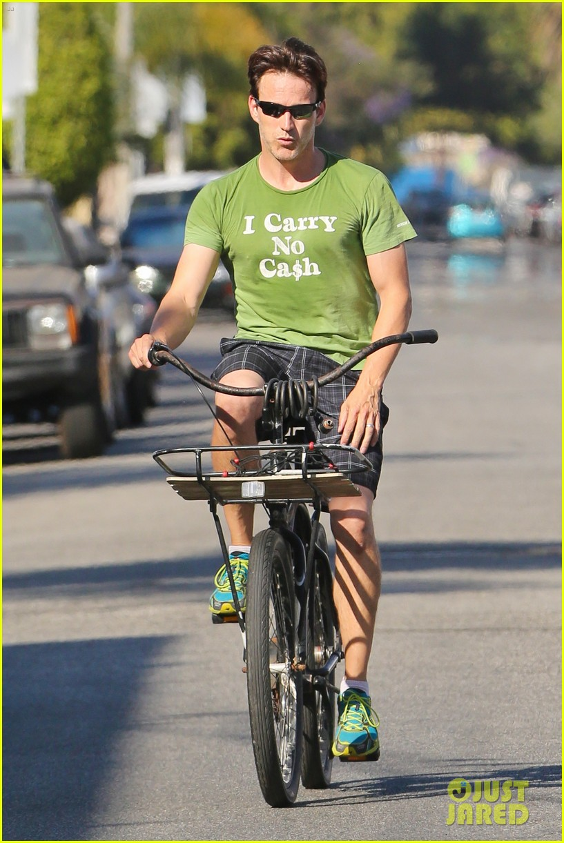 stephen moyer takes his workout to the streets 22