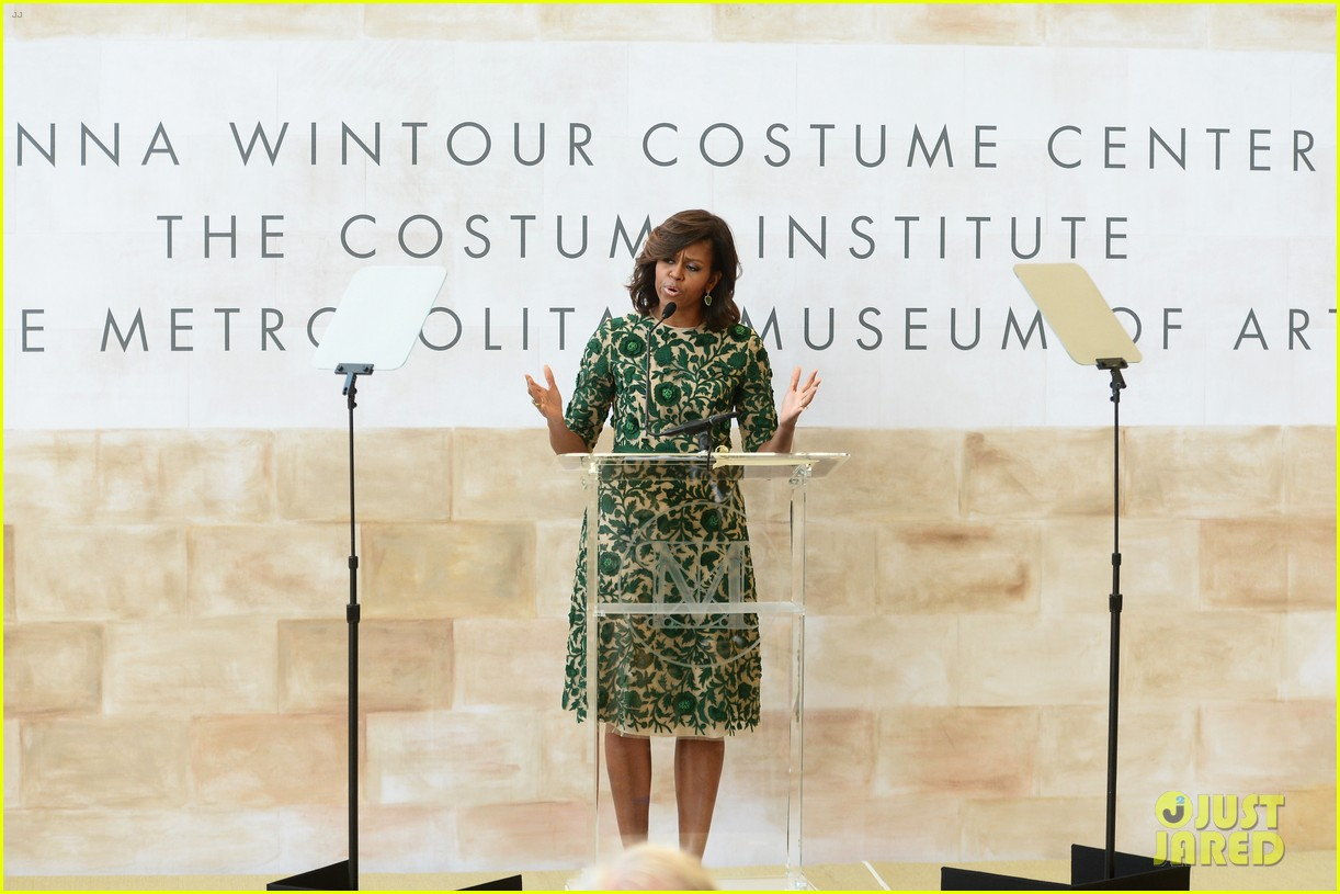 michelle obama anna wintour costume center opening 04