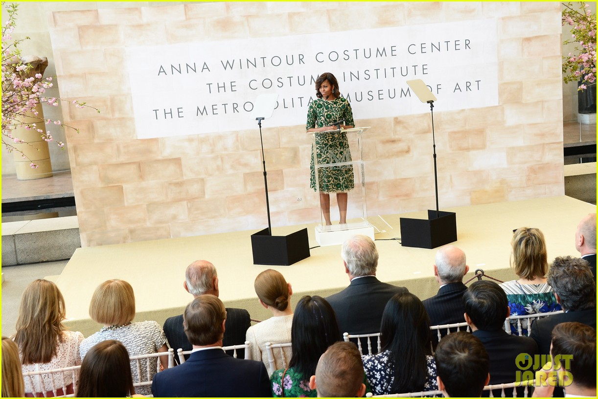 michelle obama anna wintour costume center opening 10