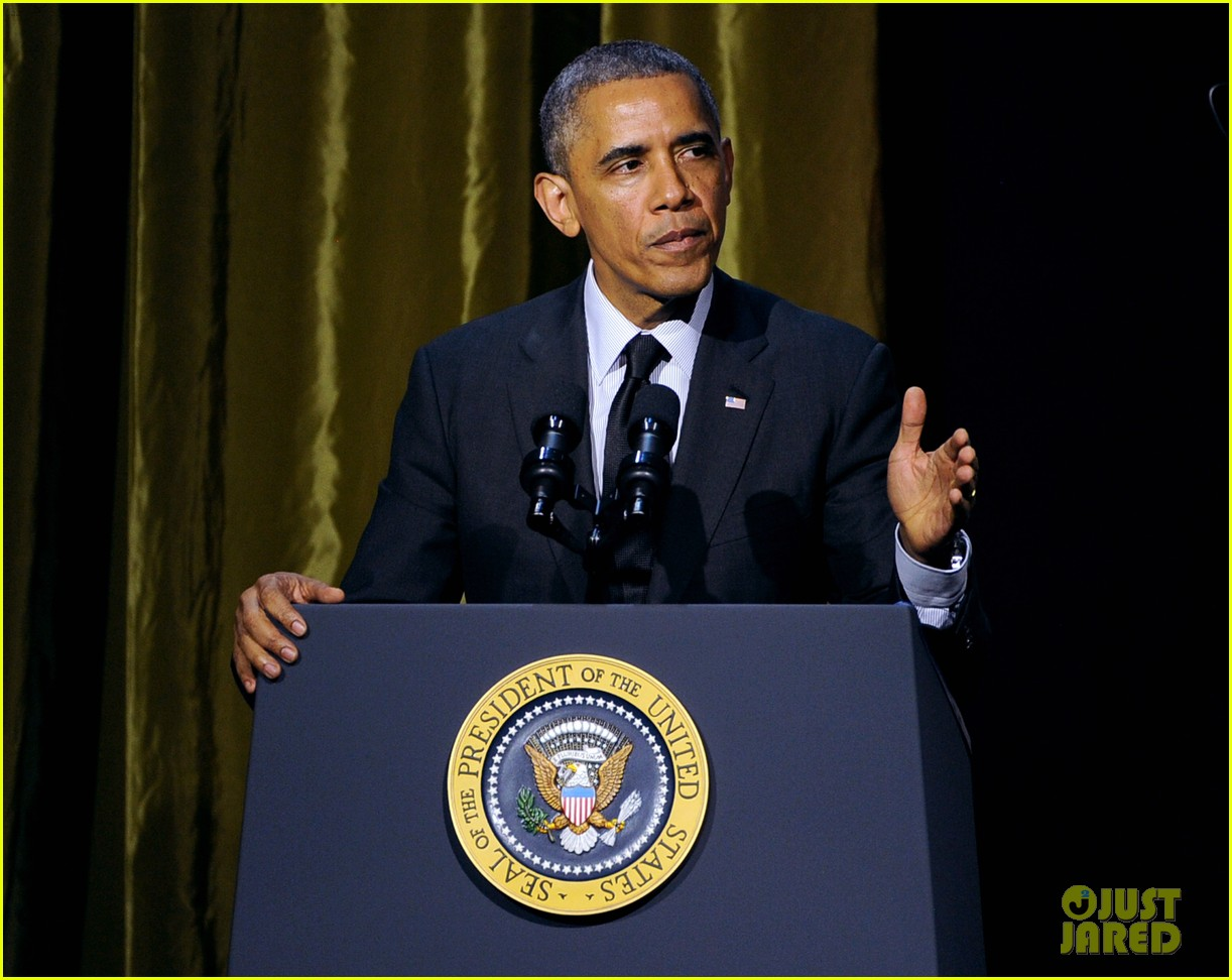 president obama gets honored at usc shoah foundations 20th anniversary gala 023108464