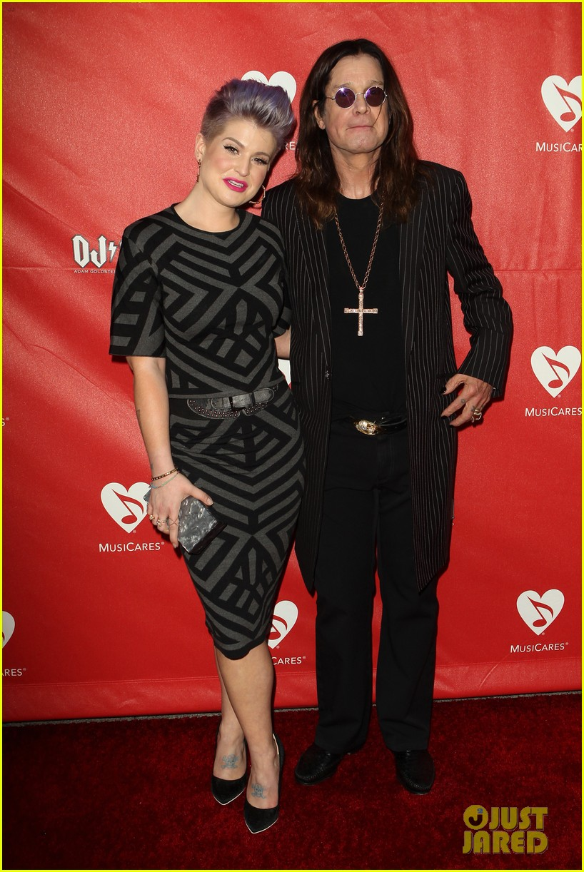 kelly osbourne supports father ozzy at musicares map fund benefit concert 01