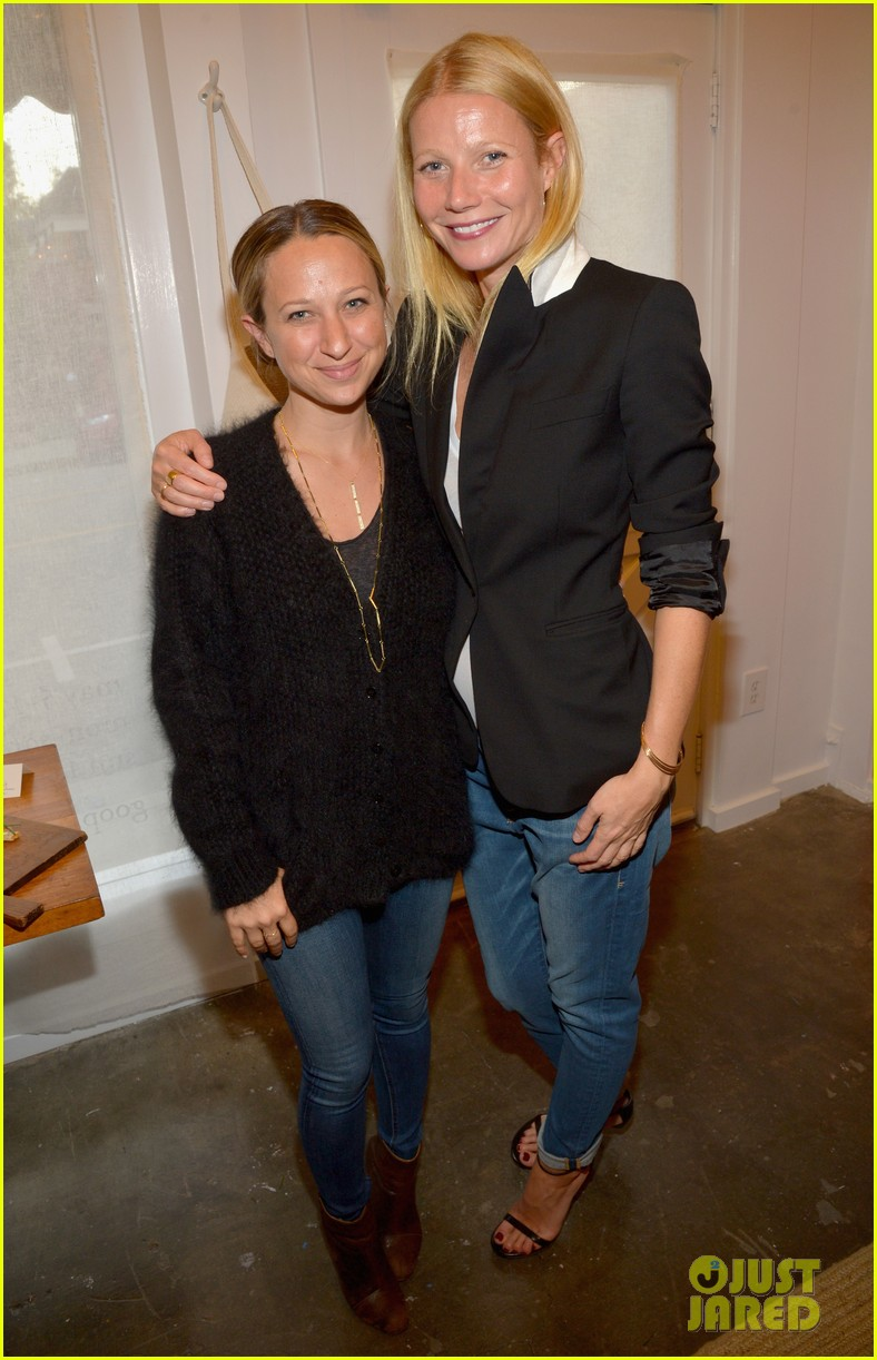 gwyneth paltrows mom is by her side for goop pop up 083107462