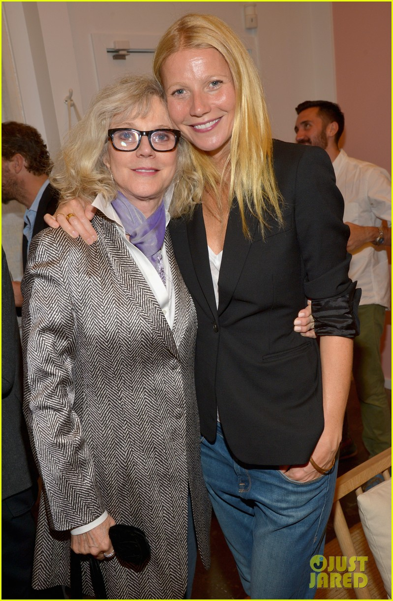 gwyneth paltrows mom is by her side for goop pop up 113107465