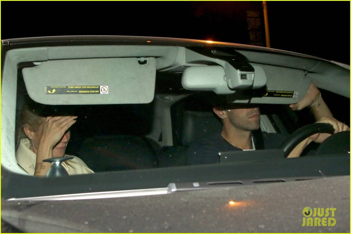 gwyneth paltrow chris martin reunite for dinner date 023117259