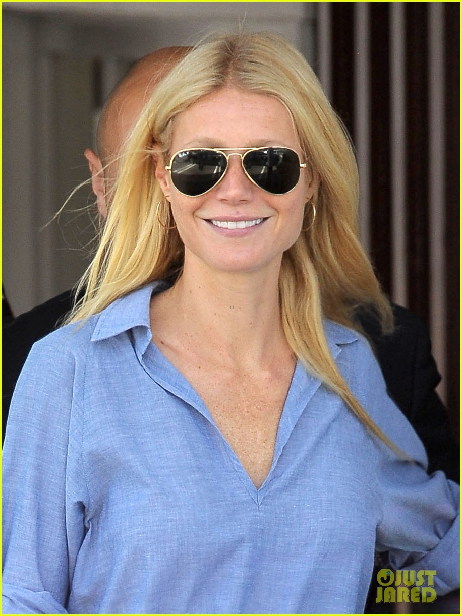 gwyneth paltrow writes blog post to end the mommy wars 013110404