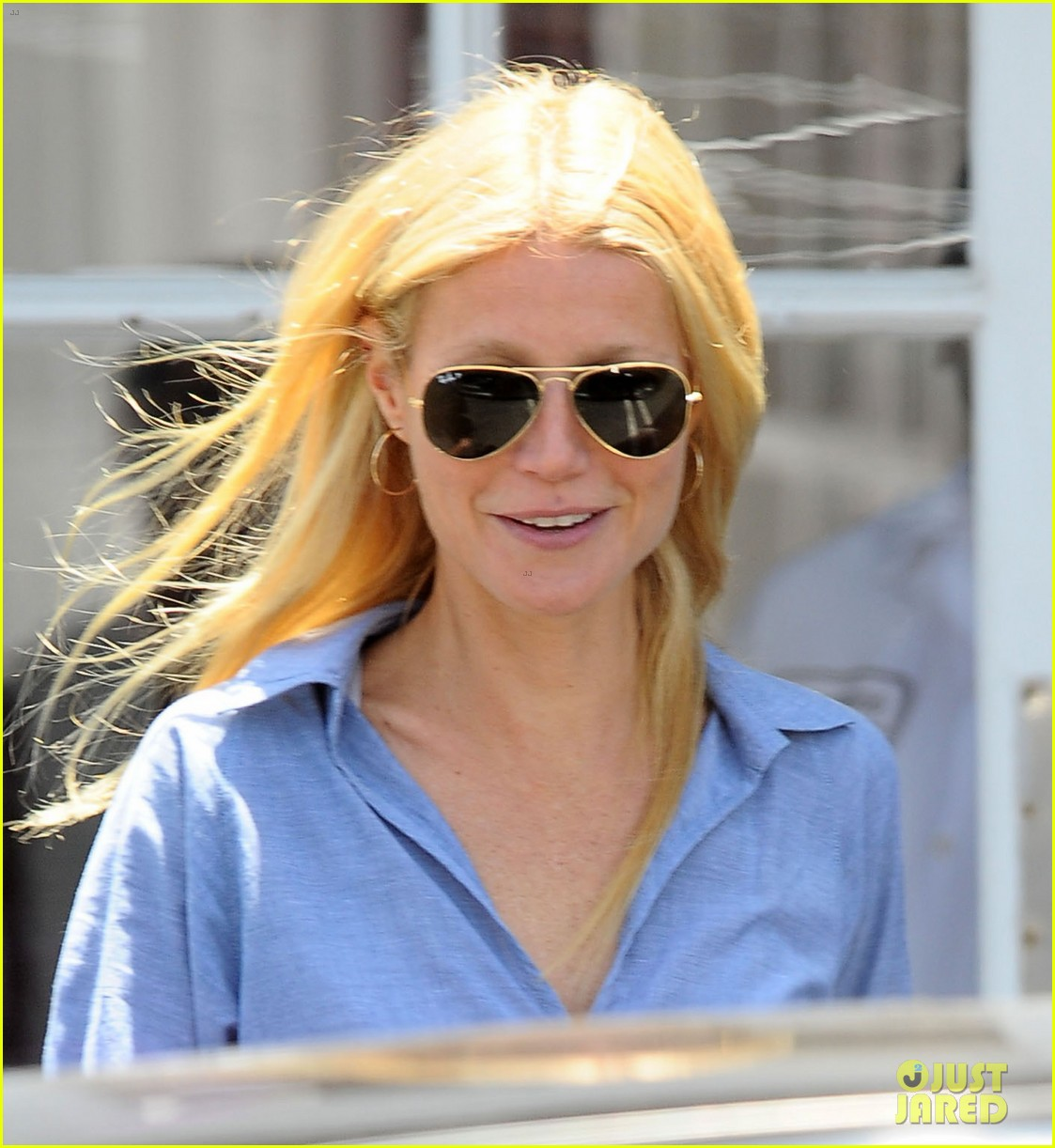 gwyneth paltrow writes blog post to end the mommy wars 12