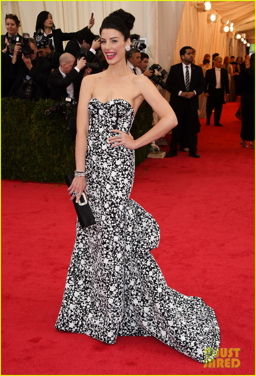 jessica pare met ball 2014 red carpet 01