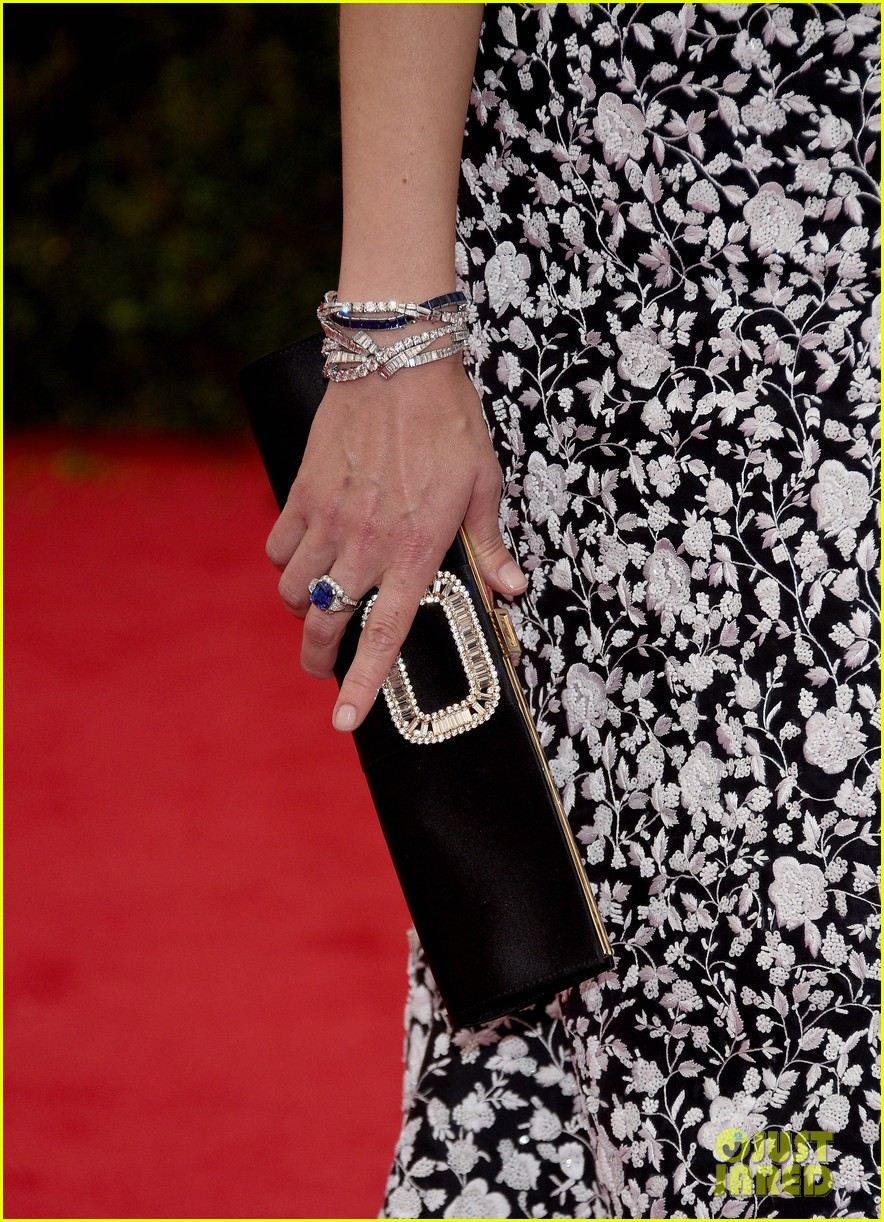jessica pare met ball 2014 red carpet 05