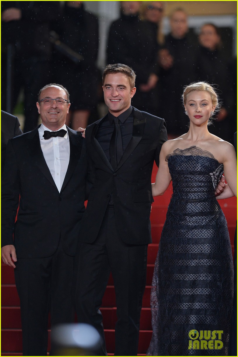 robert pattinson maps to the stars cannes premiere 12