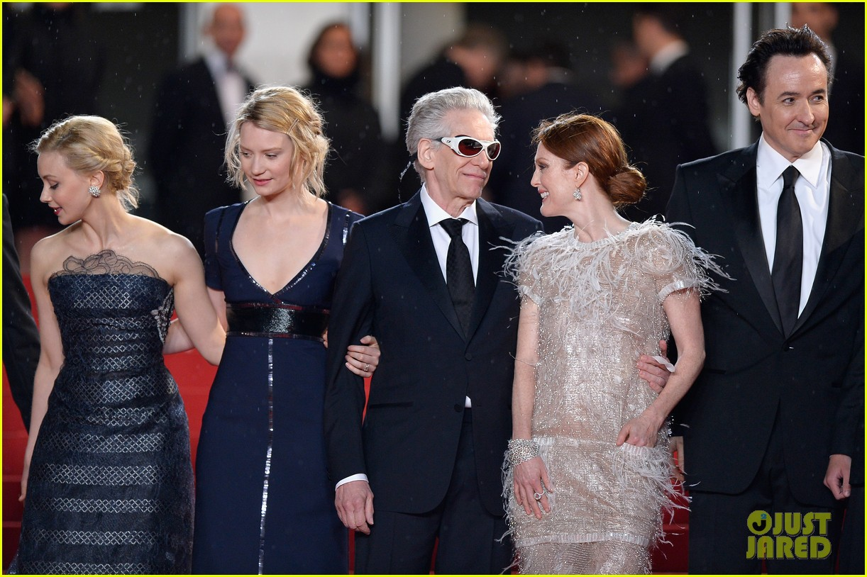 robert pattinson maps to the stars cannes premiere 16