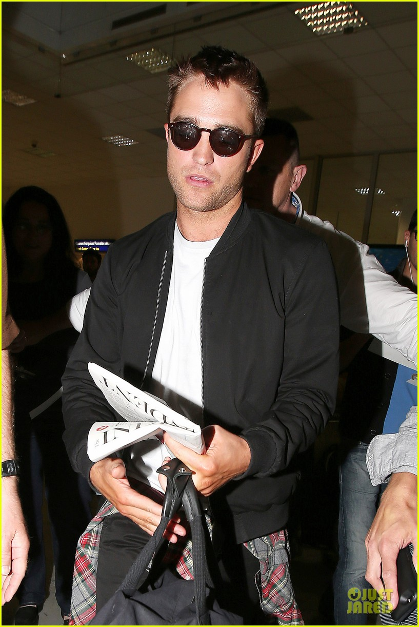 robert pattinson flies to nice for cannes 023115214
