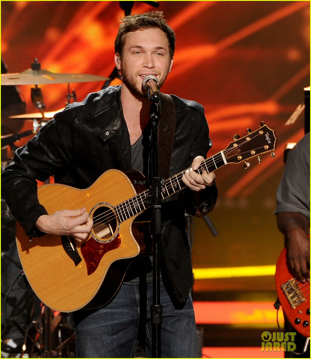phillip phillips sam woolf american idol finale 01