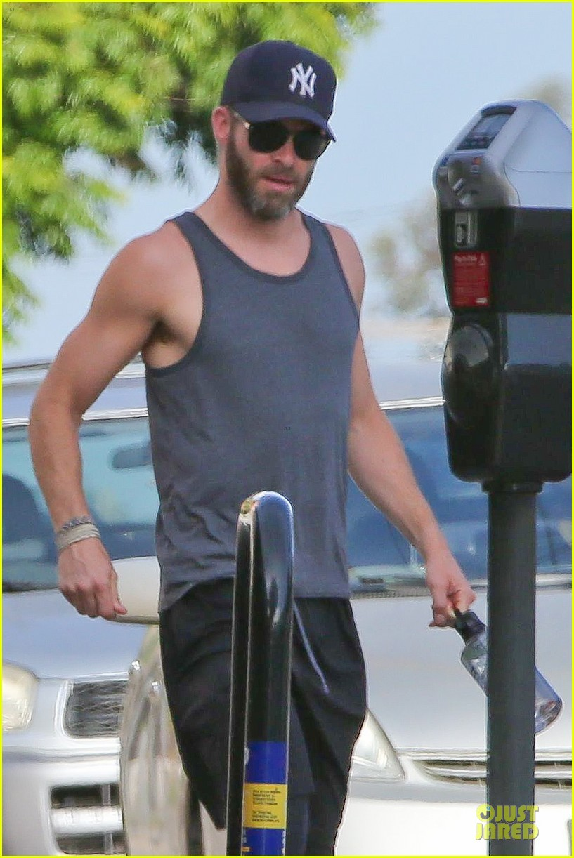 chris pine beards art of shaving not fun 023123074