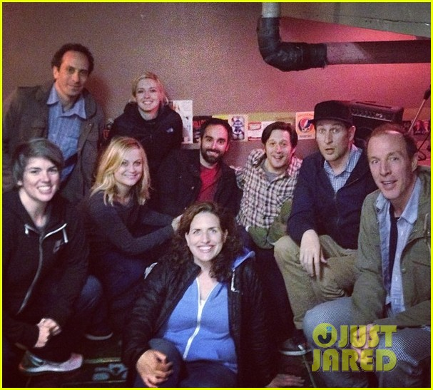 amy poehler back in la after performing at assscat 3000 at ucb 01