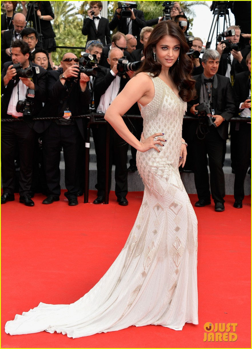 aishwarya rai works red carpet cannes 2014 05