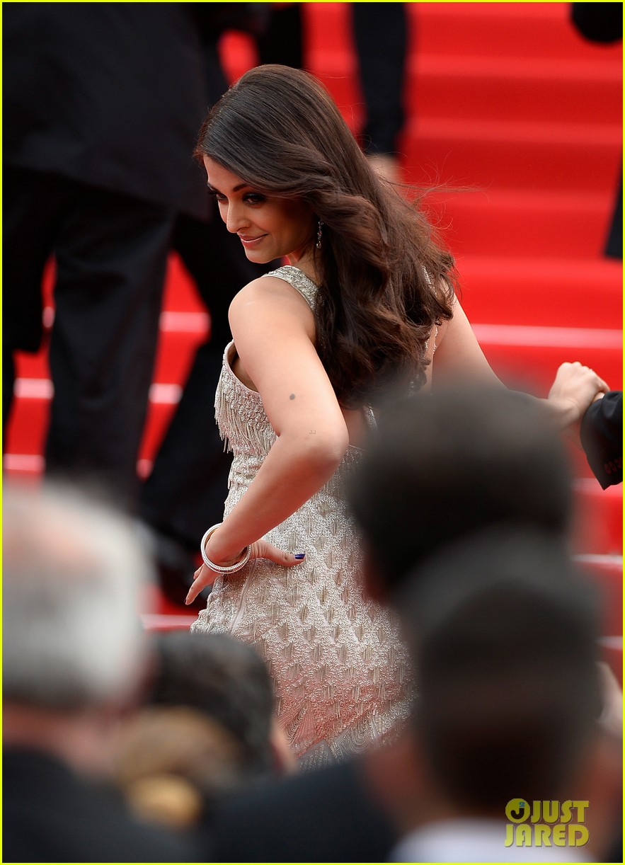 aishwarya rai works red carpet cannes 2014 06
