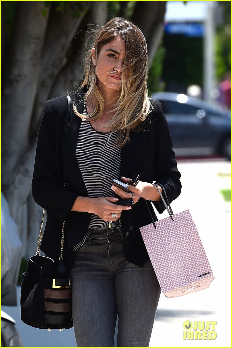 nikki reed blonde sunday horse 133120931