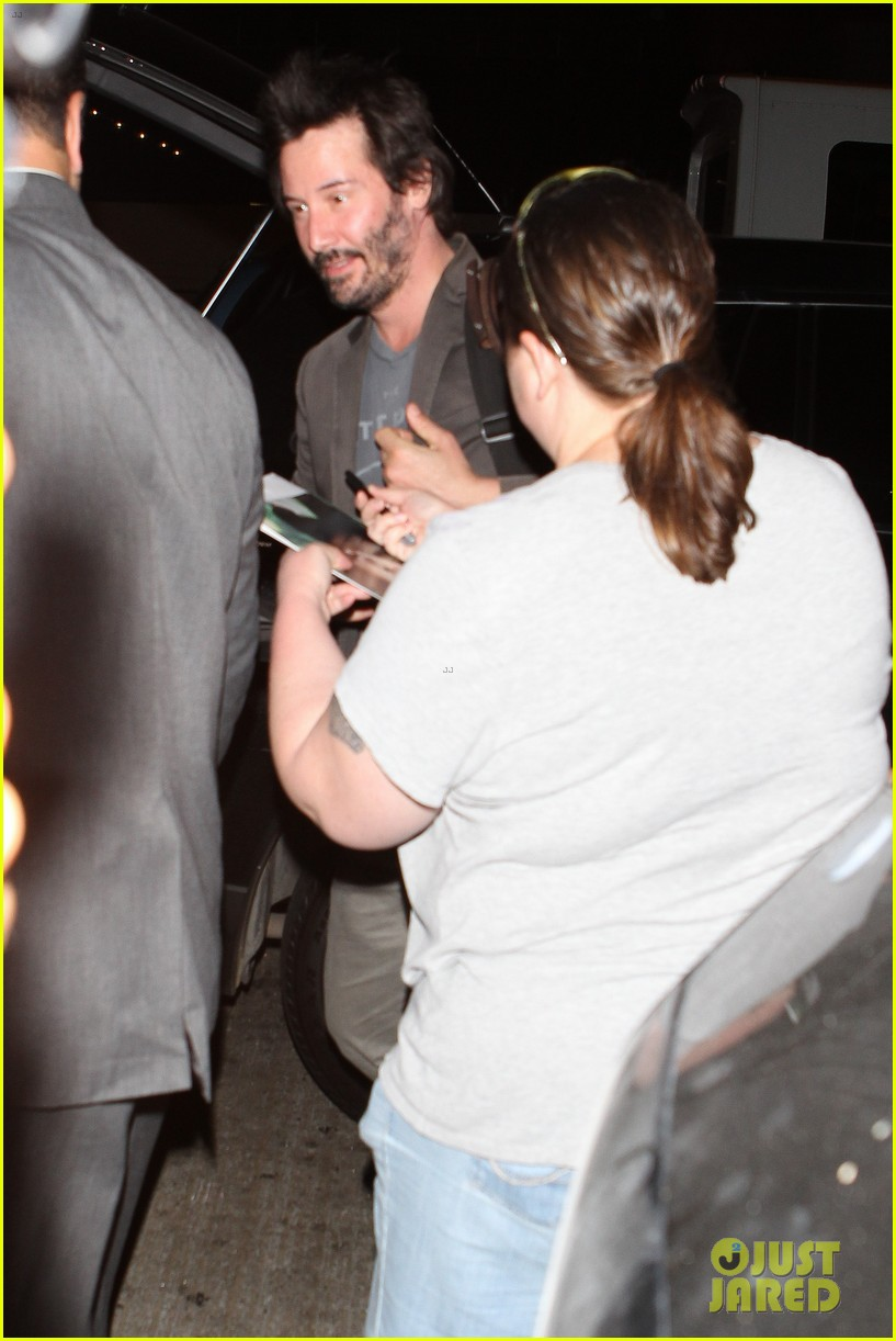 keanu reeves gets swarmed by fans at lax airport 16