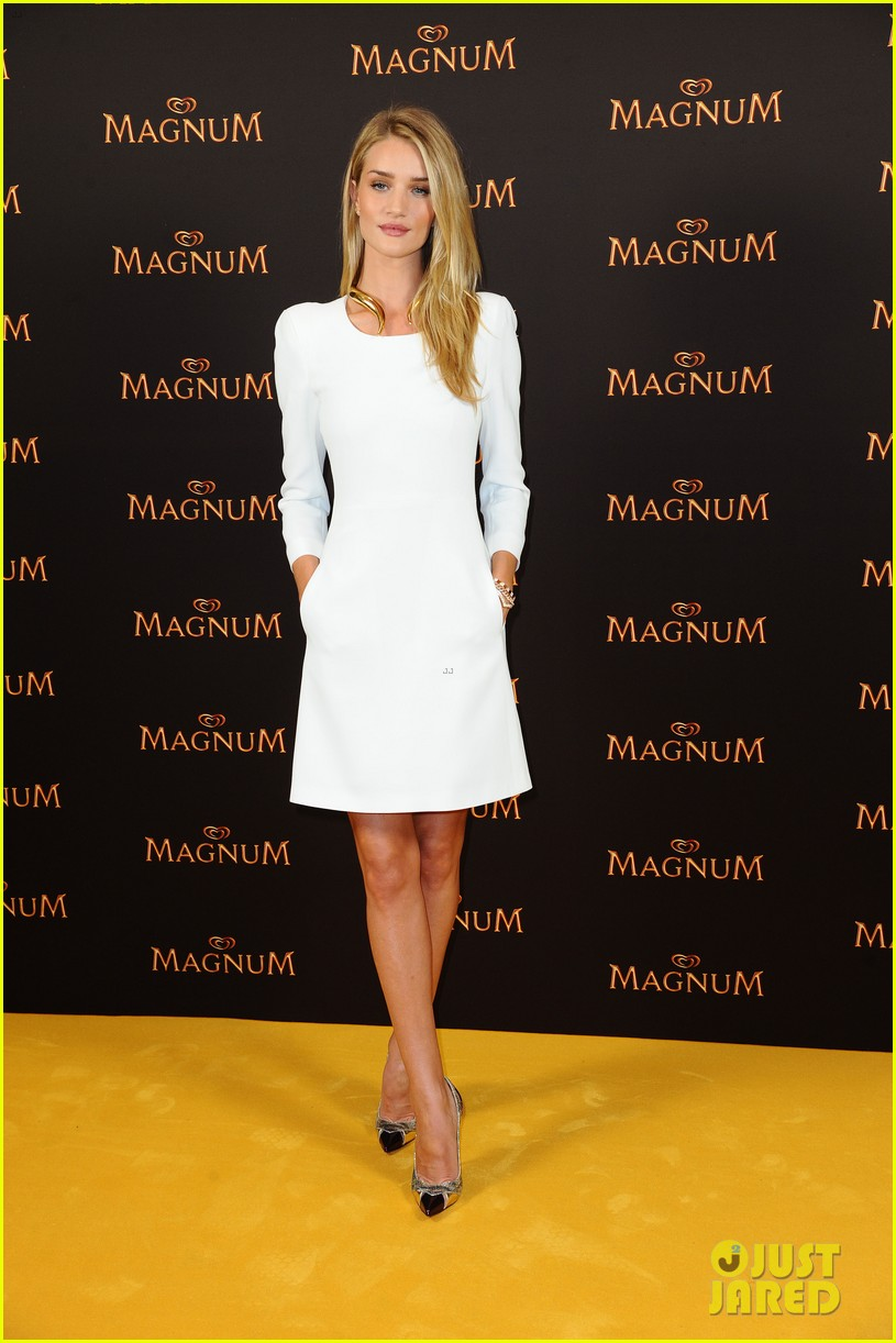 rosie huntington whiteley debuts new magnum short film 093117398