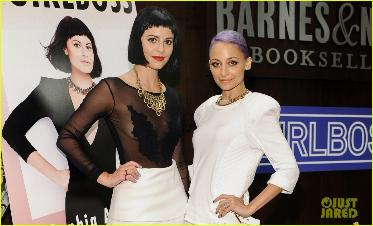 nicole richie wears all white for girlboss signing 02