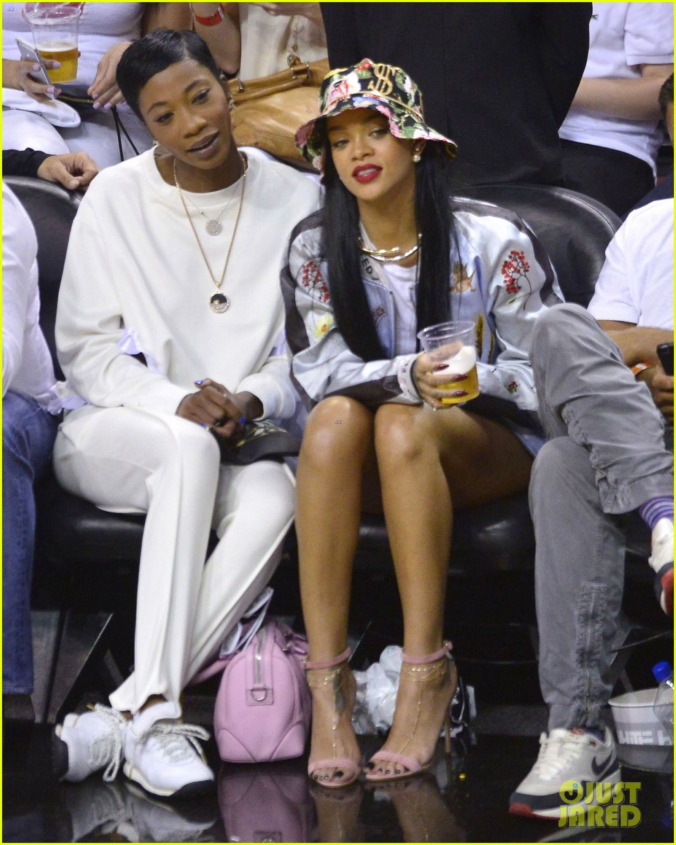rihanna cheers on lebron james at nets heat game 26