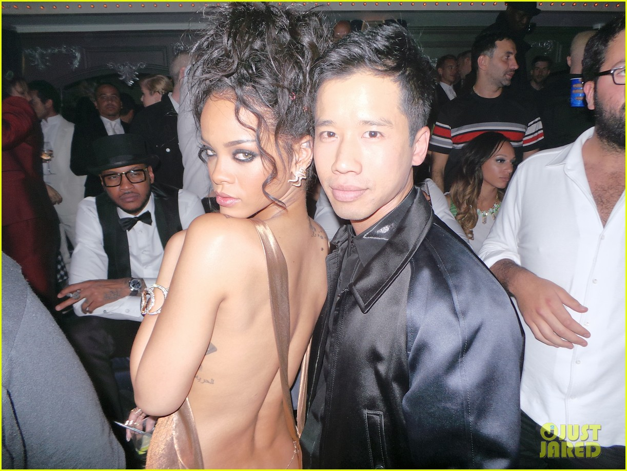 rihanna is golden goddess at met ball 2014 after party 06