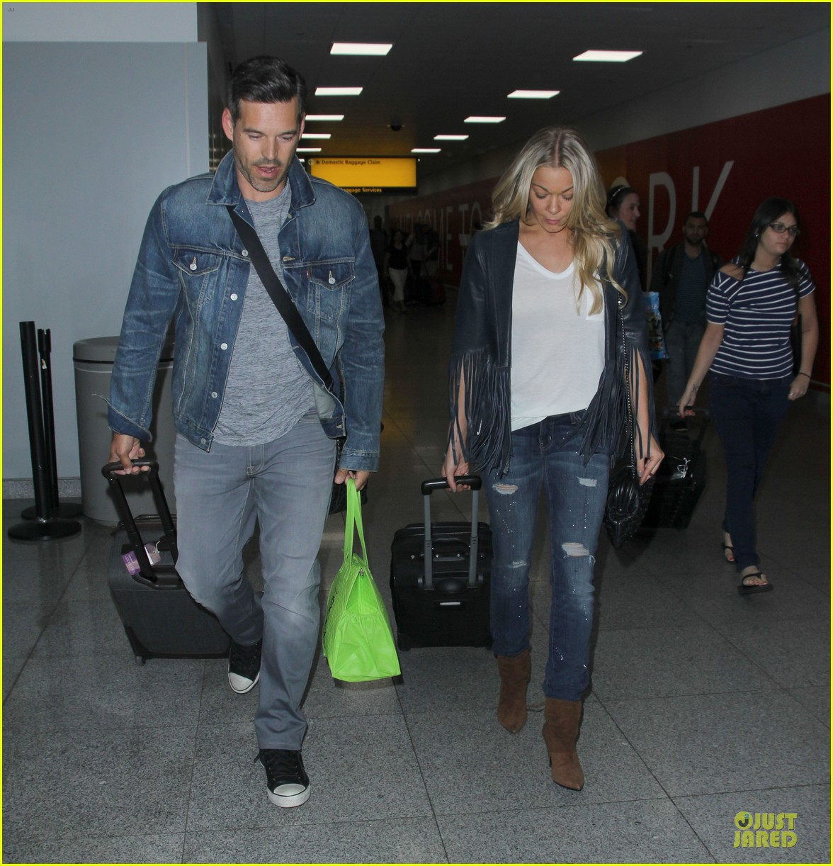 leann rimes eddie cibrian denim pair in nyc 093117952