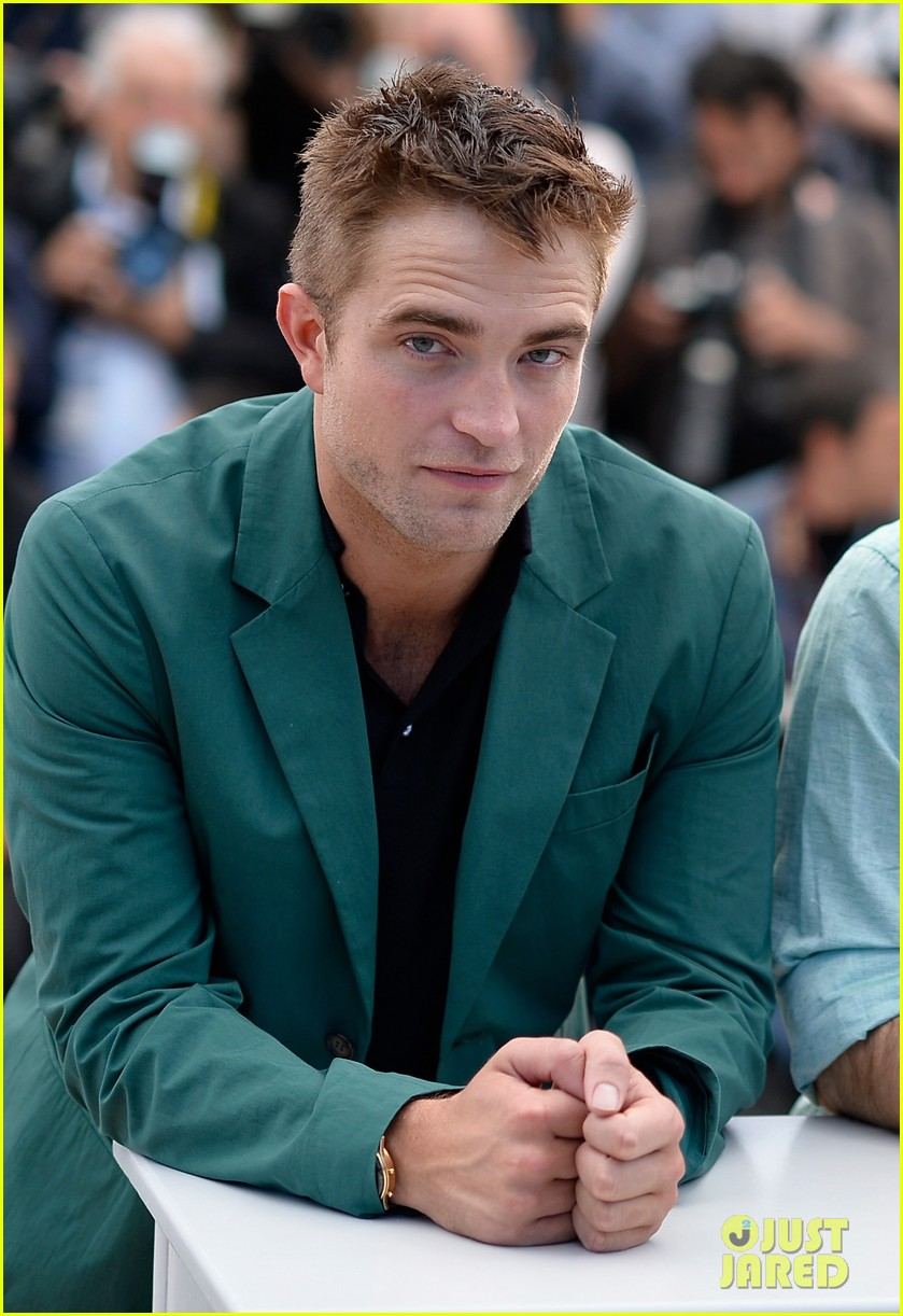 robert pattinson the rover photo call cannes 183116185