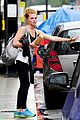margot robbie dyes her hair red 09