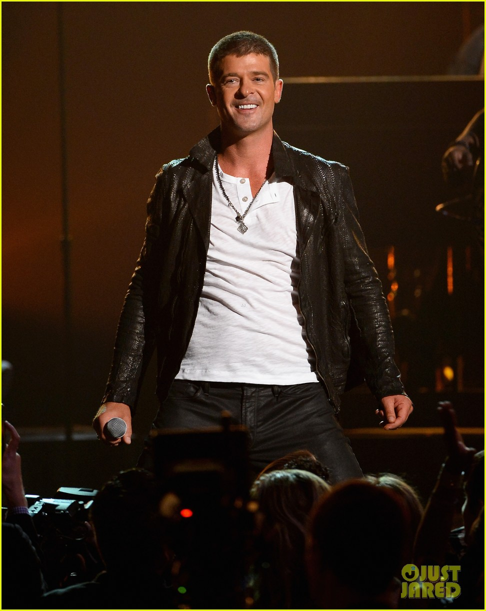 robin thicke get her back billboard music awards 2014 01