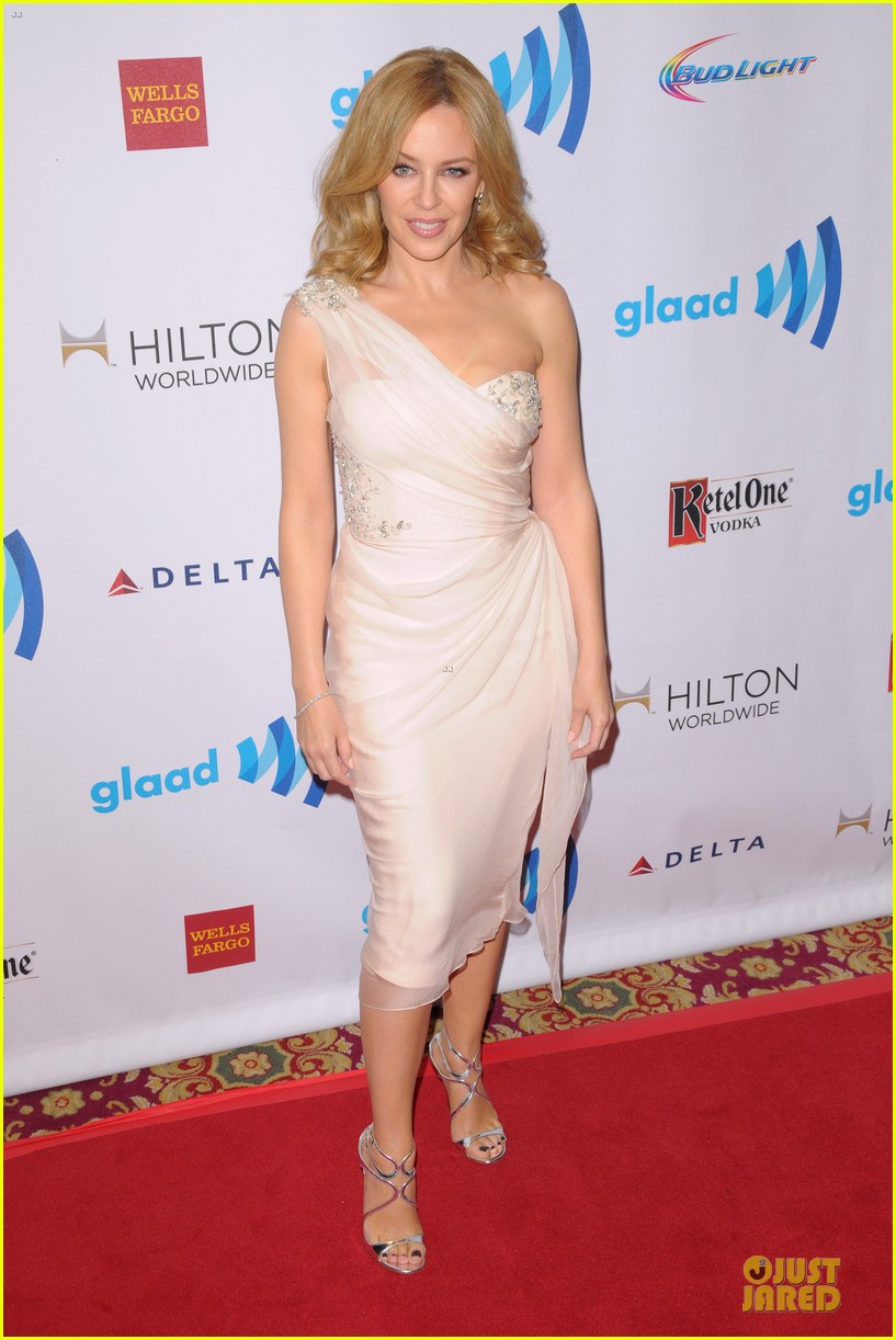 emmy rossum naomi watts glaad media awards 10