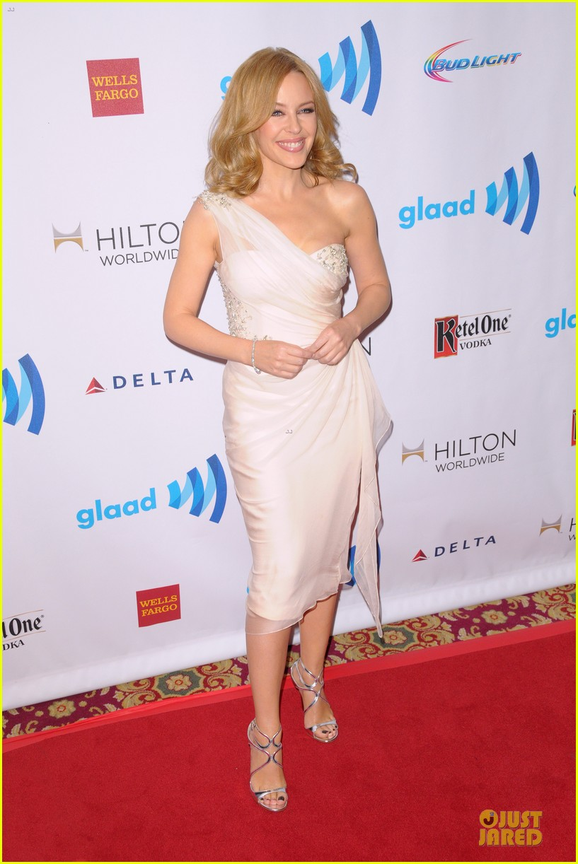 emmy rossum naomi watts glaad media awards 11