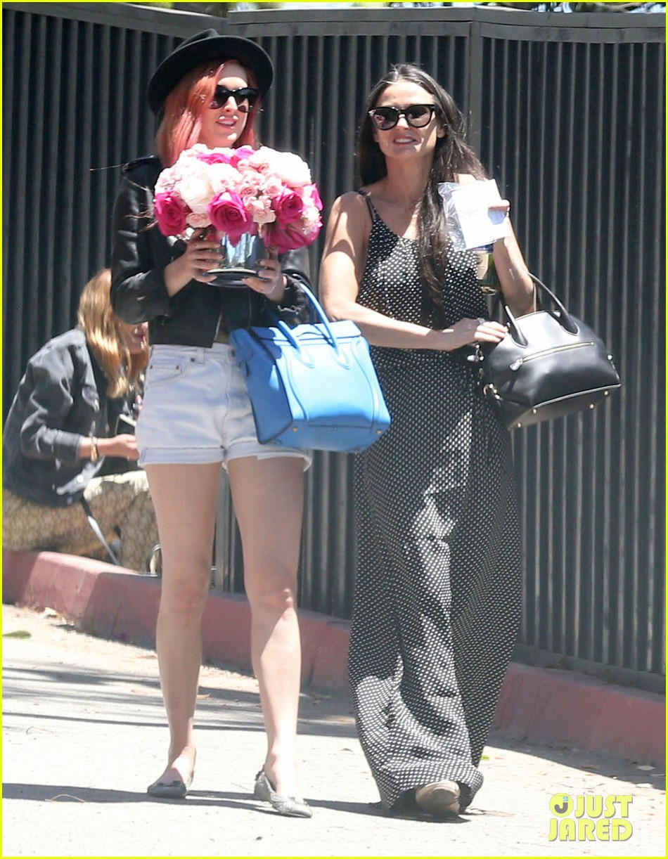 rumer tallulah willis celebrate mothers day with mom demi moore 05