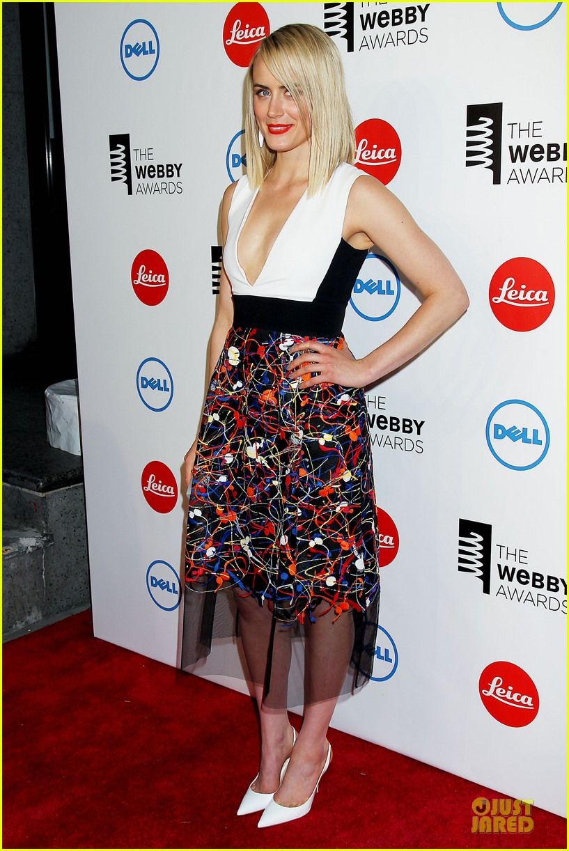 taylor schilling actress of the year at webby awards 06