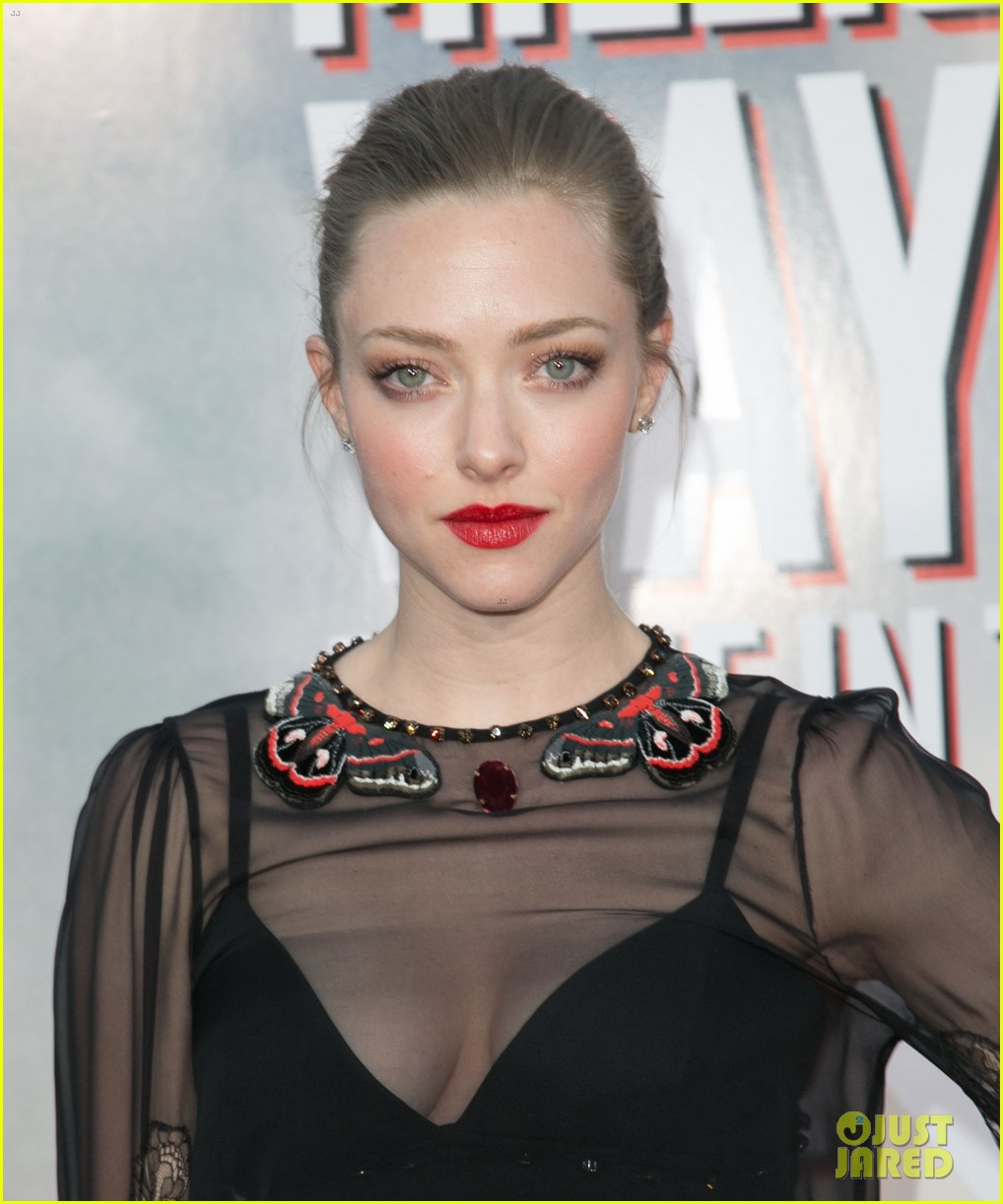 amanda seyfried million ways to die in the west premiere 23